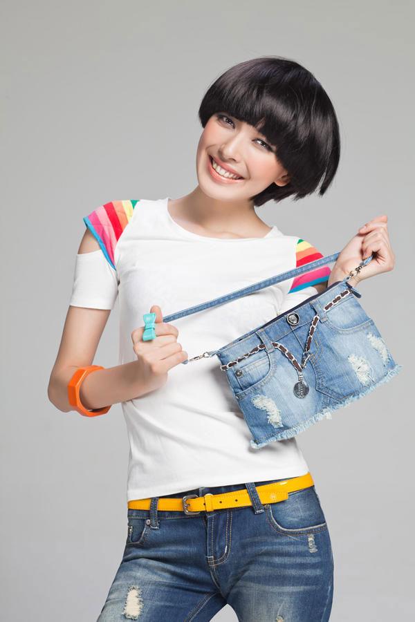 Chọn túi xách phù hợp với trang phục - 1