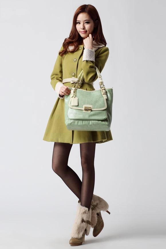 Chọn túi xách phù hợp với trang phục - 11
