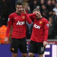 Van Persie trên tầm Rooney?