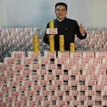 Tài chính - Bất động sản - Tỷ phú TQ khoe núi tiền mặt nặng hơn tấn