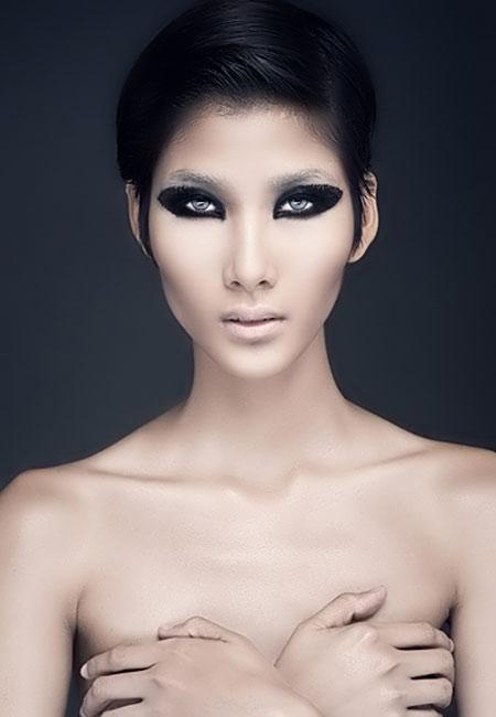 1356748965 nude dep nhat nam  10  25 Vietnamese Celebritiess Best Nude Photos in 2012