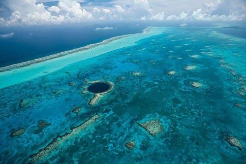 Quyến rũ 3 'hố nước xanh' ảo diệu nhất thế giới - 8