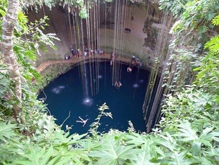Quyến rũ 3 'hố nước xanh' ảo diệu nhất thế giới - 5