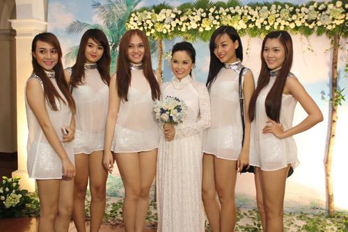 Thu Ngọc (Mây Trắng) rạng rỡ ngày cưới - 10