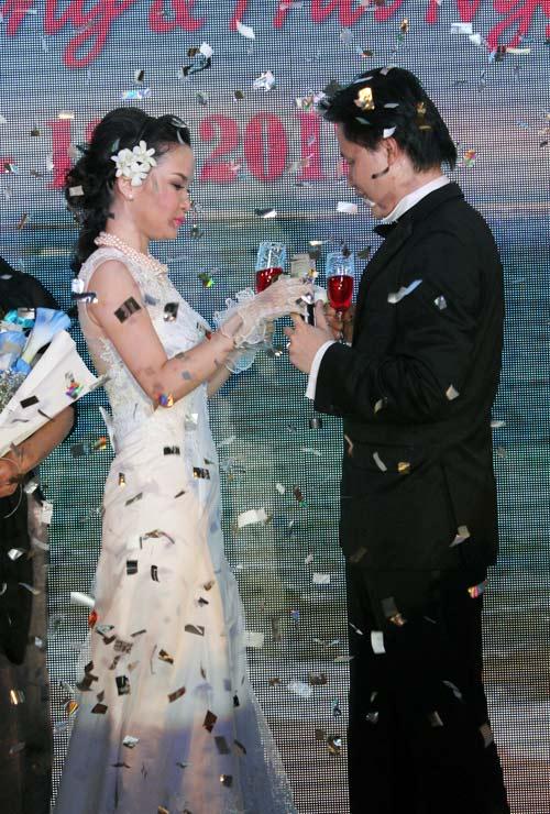 Thu Ngọc (Mây Trắng) rạng rỡ ngày cưới - 6