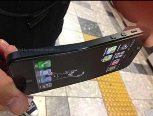 iPhone 5 dễ dàng bị uốn cong - 2