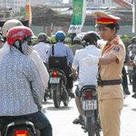 Tin tức trong ngày - Háo hức chờ nữ cảnh sát ra điều khiển GT