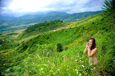 Hội chứng hotgirl nude giữa thiên nhiên - 1