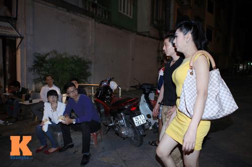 Lâm Chi Khanh và người yêu gây chú ý ở Hà Nội - 1