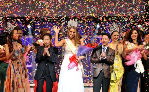 Hà Anh đồng hành cùng Miss Global - 3