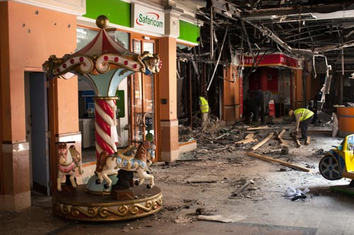 Cảnh tượng kinh hoàng sau vụ khủng bố ở Kenya - 8