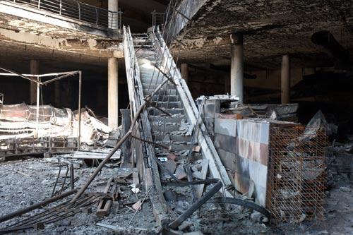 Cảnh tượng kinh hoàng sau vụ khủng bố ở Kenya - 6