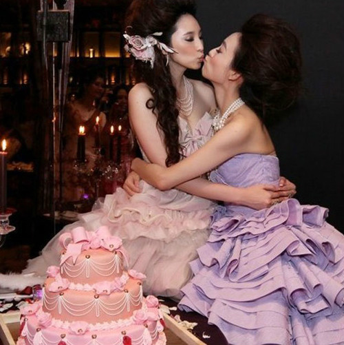 Bỏng rẫy nụ hôn đồng giới sao Hoa ngữ - 7