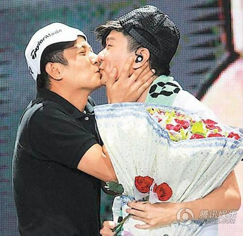 Bỏng rẫy nụ hôn đồng giới sao Hoa ngữ - 9