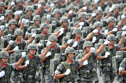 Hàn Quốc rầm rộ duyệt binh răn đe Triều Tiên - 3