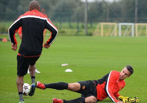 MU: Rooney – Persie sẵn sàng xung trận - 2