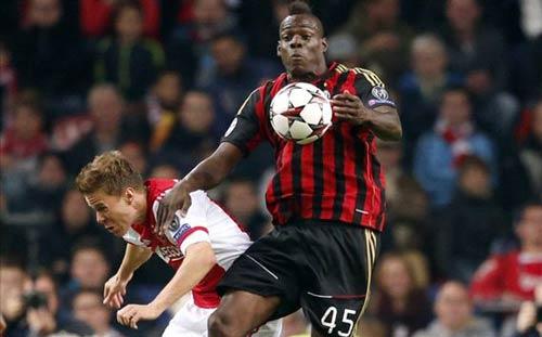 Ajax - Milan: Thoát hiểm ngoạn mục - 1