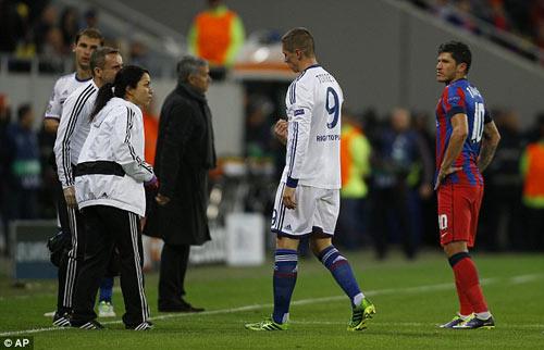 Chelsea đại thắng, Mourinho nổ tưng bừng - 4