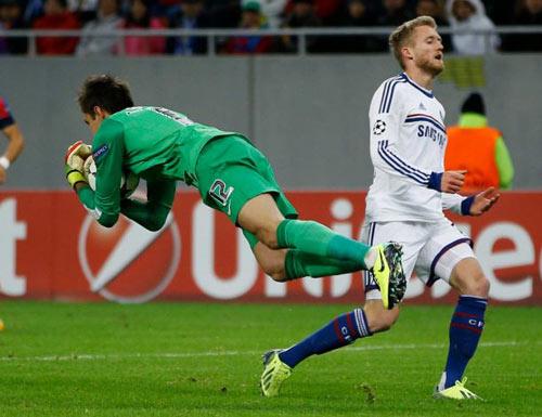 Chelsea đại thắng, Mourinho nổ tưng bừng - 2