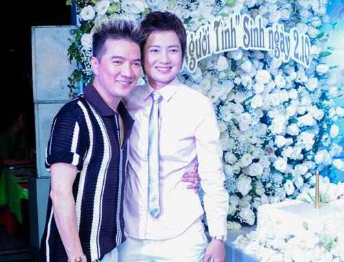 Vợ chồng Hà Hồ mừng sinh nhật Mr. Đàm - 15