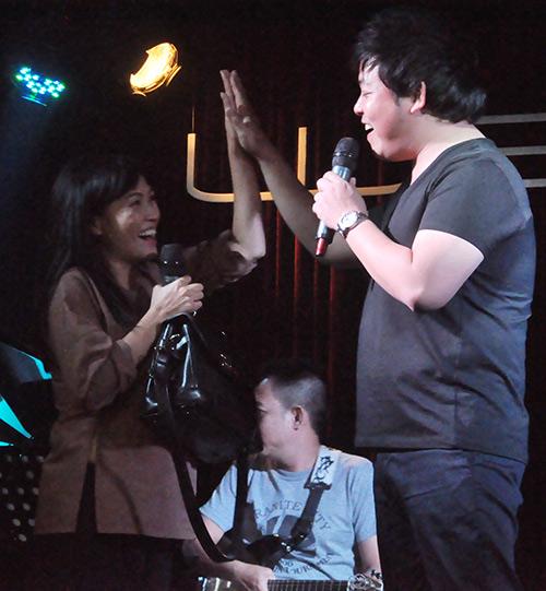 """Phương Thanh thử """"ngất"""" trong tay Quang Lê - 9"""
