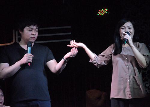 """Phương Thanh thử """"ngất"""" trong tay Quang Lê - 8"""