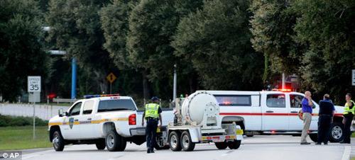 Mỹ: Sơ tán sân bay quốc tế vì nghi có bom - 1