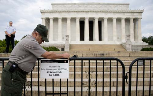 Người dồn chính phủ Mỹ đến bờ vực đóng cửa - 2