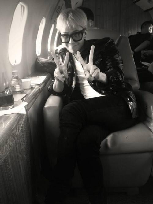Thành Long dùng chuyên cơ đưa đón G-Dragon - 3