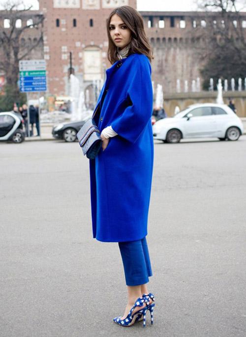 Mặc xanh cobalt thời thượng như các tín đồ - 12