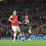 Bóng đá - Ozil thi đấu chói sáng trước Napoli