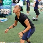 """Bóng đá - """"Ronaldinho showbiz Việt"""" khoe """"chiêu độc"""""""