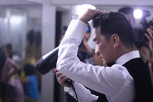 Mr Đàm diện giày nghìn đô mừng sinh nhật - 7