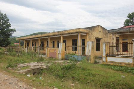 Quảng Ngãi: Xót xa khu nội trú tiền tỷ bỏ hoang - 1