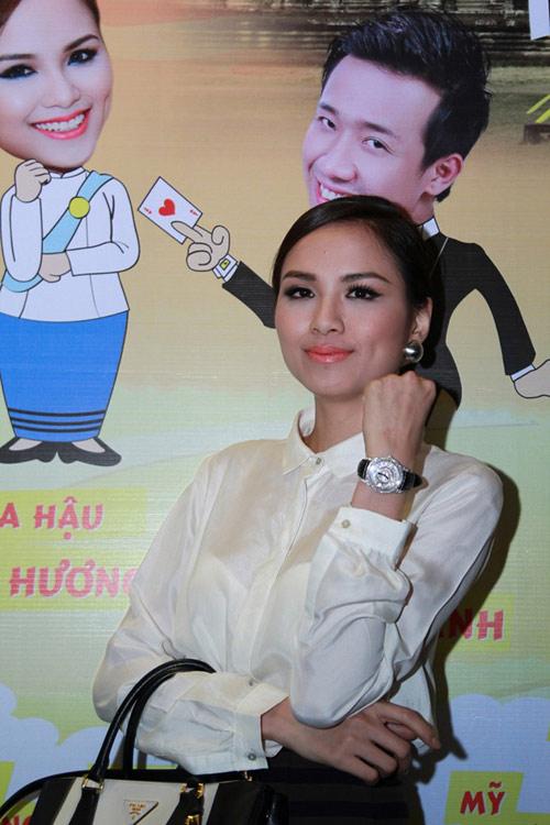 Choáng với đồng hồ 5 tỉ của Diễm Hương! - 2