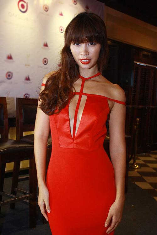 """Hà Anh """"lấn át"""" hoa hậu Miss Global - 1"""