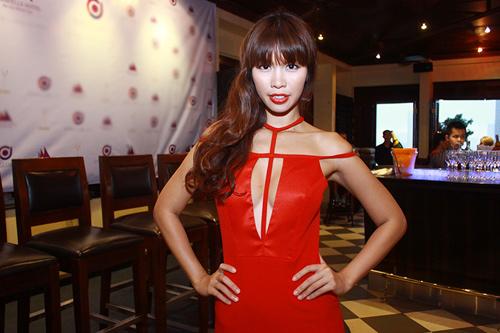 """Hà Anh """"lấn át"""" hoa hậu Miss Global - 3"""