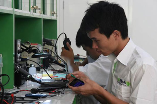 HKPhone sở hữu 4 trung tâm bảo hành quy mô lớn - 7
