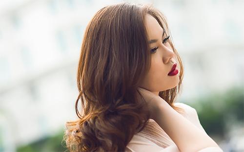 """""""Tình cũ Hà Dũng"""" kín đáo gợi cảm - 12"""