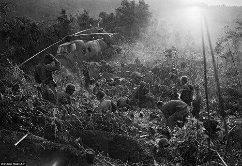 Công bố 300 bức ảnh thật nhất về chiến tranh VN - 2