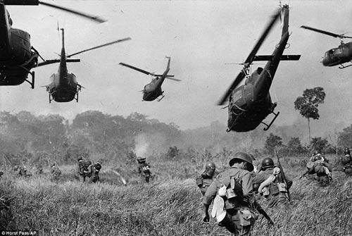 Công bố 300 bức ảnh thật nhất về chiến tranh VN - 4