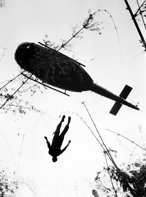 Công bố 300 bức ảnh thật nhất về chiến tranh VN - 7