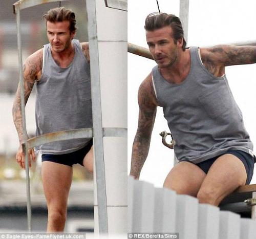 """David Beckham """"bay lượn"""" trên không - 14"""