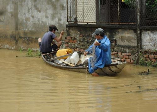 Quảng Nam: Lũ thủy điện bủa vây người dân - 5