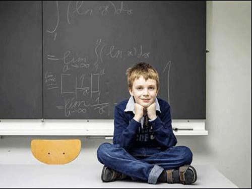 Thần đồng toán học vào đại học năm 10 tuổi - 1
