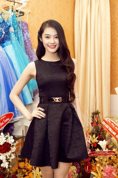 Linh Chi trẻ trung cùng váy xòe - 3