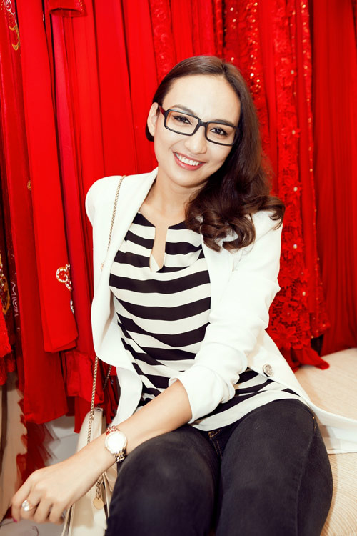 Linh Chi trẻ trung cùng váy xòe - 9