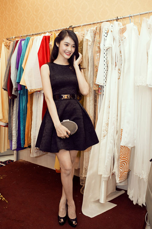 Linh Chi trẻ trung cùng váy xòe - 4