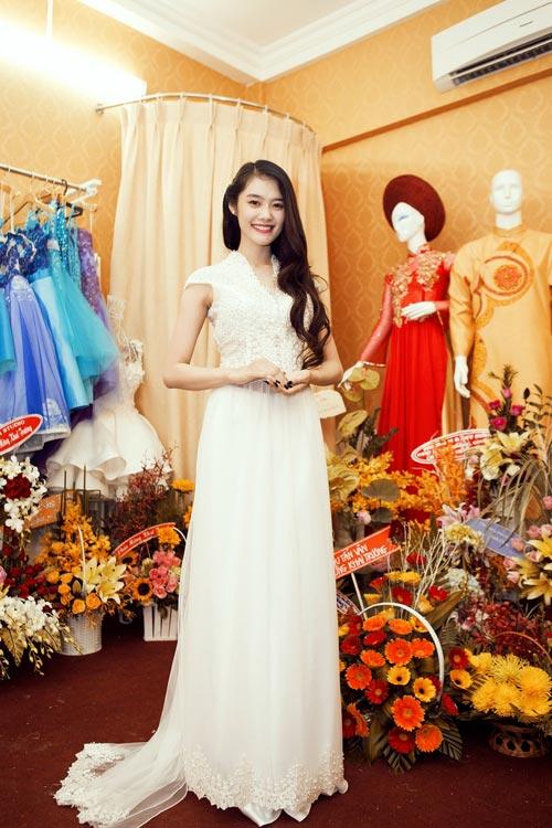 Linh Chi trẻ trung cùng váy xòe - 6