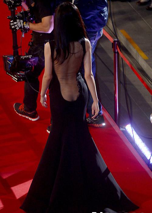 Người đẹp Hàn phải trả giá vì váy mỏng - 5